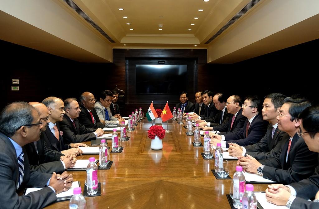 Thủ tướng Nguyễn Xuân Phúc tiếp các lãnh đạo Tập đoàn Tata. Ảnh: VGP