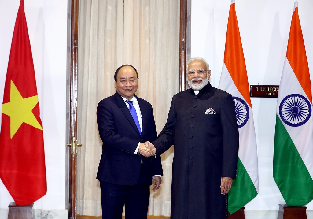 Thủ tướng Nguyễn Xuân Phúc và Thủ tướng Narendra Modi trước khi hội đàm. Ảnh: VGP