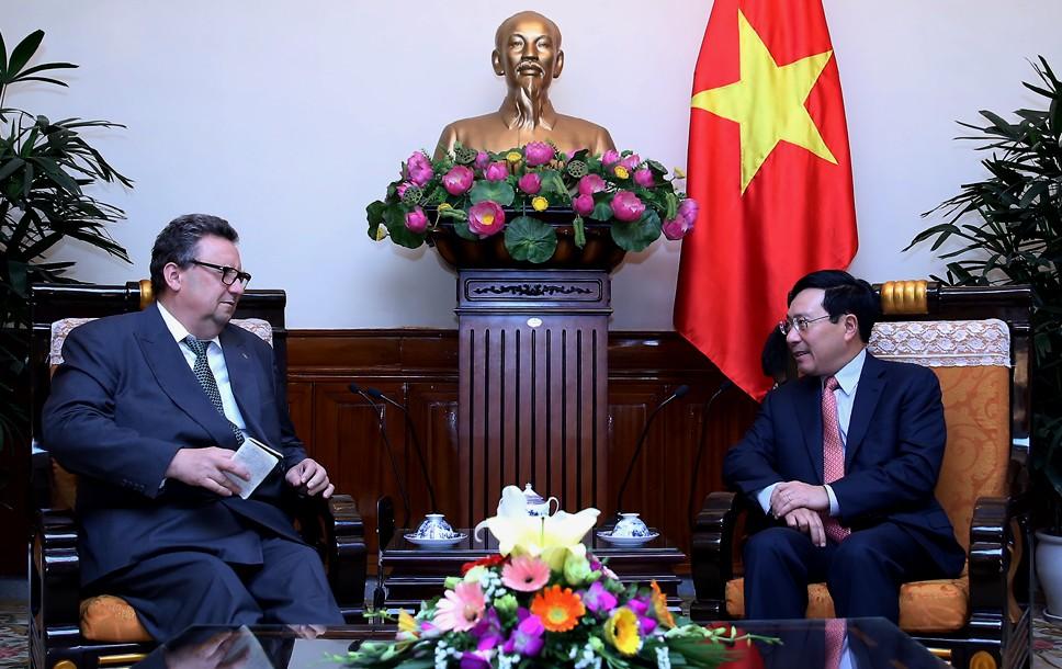 Phó Thủ tướng Phạm Bình Minh tiếp Đại sứ Phần Lan. Ảnh: VGP