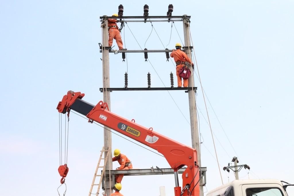 Nhiều công trình điện được EVNNPC đưa vào vận hành ngay trong tháng đầu 2018. Ảnh VGP