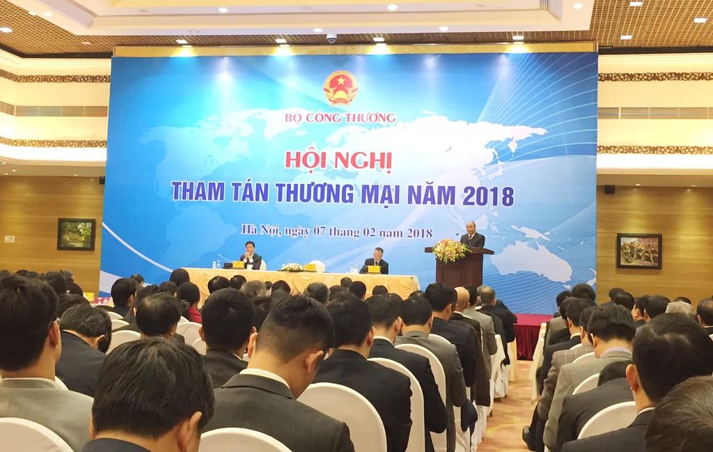 Thủ tướng cho rằng, năng lực sản xuất trong nước còn rất lớn để thúc đẩy xuất khẩu trong năm 2018 cũng như nhiều năm tới. Ảnh: Việt Anh