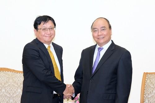 Thủ tướng Nguyễn Xuân Phúc tiếp ông Masayoshi Fujimoto, Chủ tịch Tập đoàn Sojitz (Nhật Bản). Ảnh: VGP