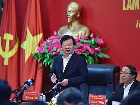 Phó Thủ tướng Trịnh Đình Dũng phát biểu tại cuộc làm việc - Ảnh: VGP