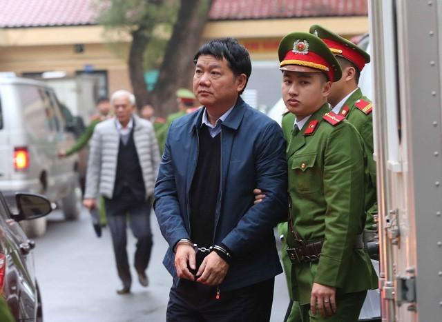 5 luật sư sẽ tham gia bào chữa cho ông Đinh La Thăng trong phiên toà ngày 19/3.