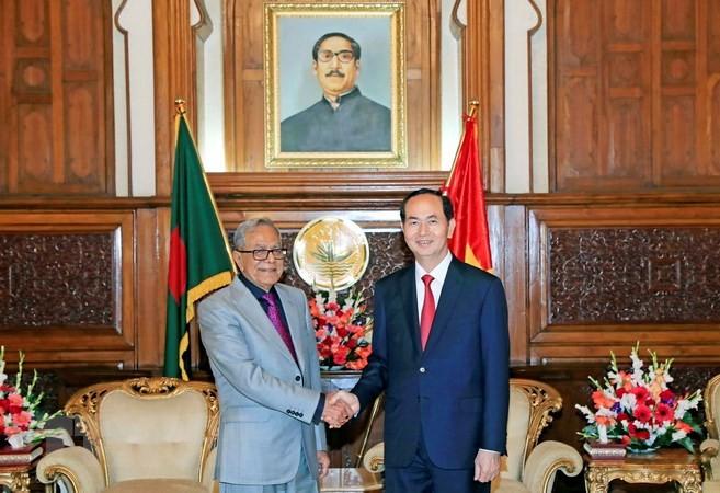 Chủ tịch nước Trần Đại Quang hội kiến Tổng thống Bangladesh Mohammad Abdul Hamid. Ảnh: TTXVN