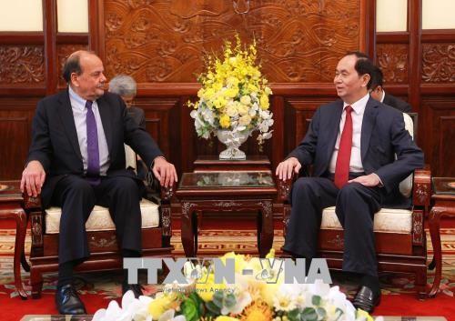 Chủ tịch nước Trần Đại Quang tiếp Đại sứ Chile tại Việt Nam Claudio Andres De Negri Quintana. Ảnh: TTXVN