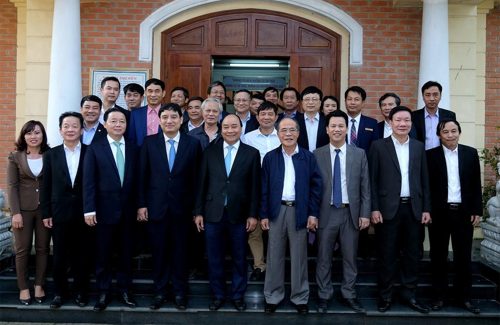 Thủ tướng Nguyễn Xuân Phúc dâng hương tại Khu di tích Kim Liên - ảnh 1