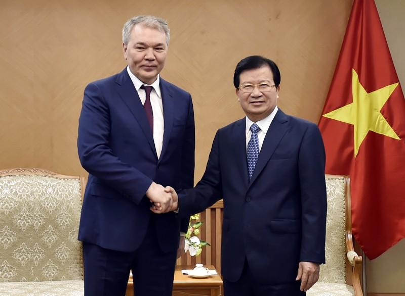 Phó Thủ tướng Trịnh Đình Dũng và ông Leonid Ivanovich Kalashnikov - Ảnh: VGP