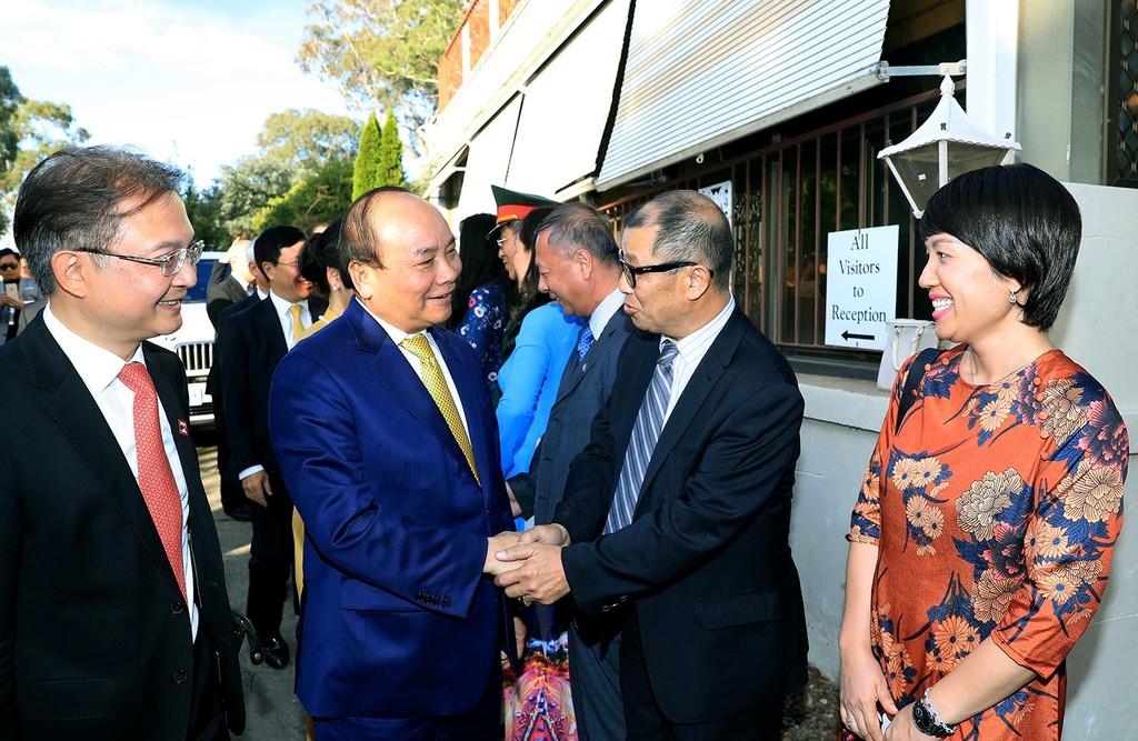 Thủ tướng Nguyễn Xuân Phúc gặp gỡ cán bộ, nhân viên Đại sứ quán Việt Nam và  đại diện kiều bào tại Australia. Ảnh: VGP
