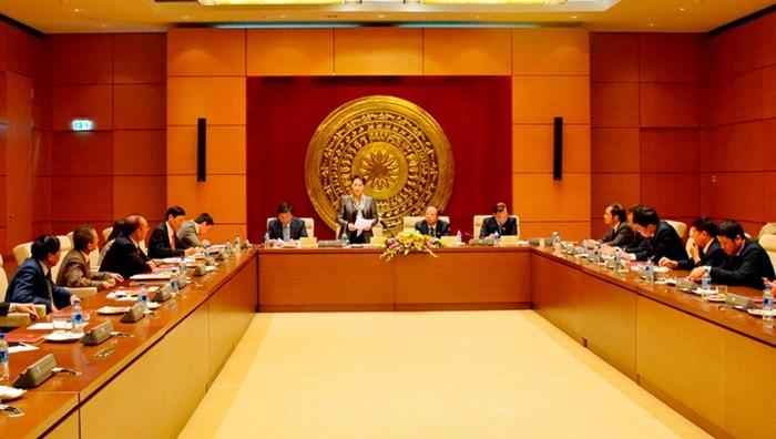 Chủ tịch Quốc hội phát biểu tại buổi gặp mặt. Ảnh: QĐND