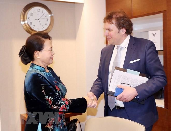 Chủ tịch Quốc hội làm việc với lãnh đạo các cơ quan, doanh nghiệp Hà Lan - ảnh 1