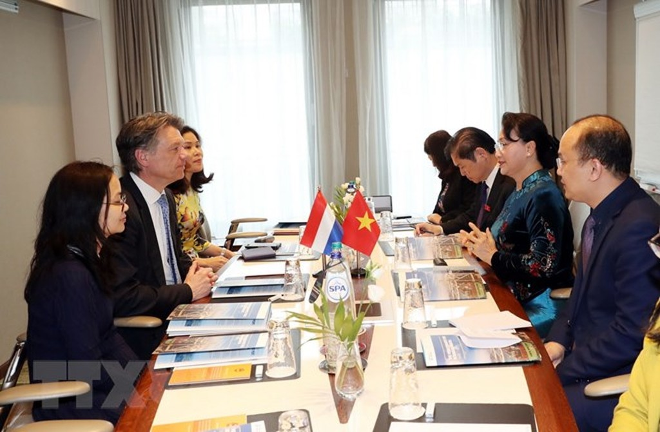 Chủ tịch Quốc hội làm việc với lãnh đạo các cơ quan, doanh nghiệp Hà Lan - ảnh 2