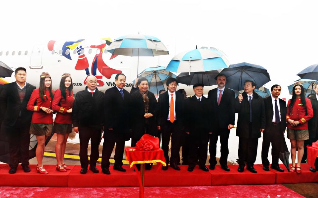 Vietjet nhận bàn giao tàu bay mang biểu tượng 45 năm quan hệ Việt – Pháp - ảnh 1