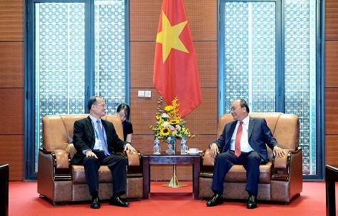 Thủ tướng tiếp Chủ tịch Tập đoàn Sunwah, Hong Kong - ảnh 1