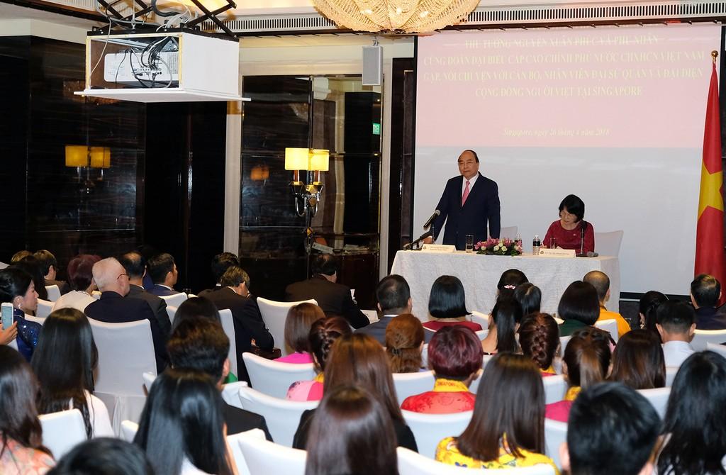 Thủ tướng mong kiều bào ở Singapore cùng trả lời các câu hỏi lớn - ảnh 1