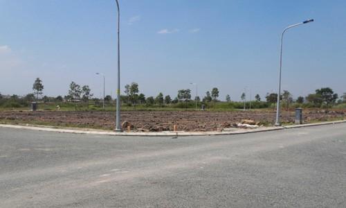 Đất nền một dự án đường Lã Xuân Oai, Nguyễn Duy Trinh, Quận 9. Ảnh: Datvang