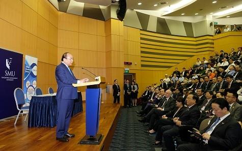 Thủ tướng khích lệ sinh viên Việt Nam ở Singapore tiên phong khởi nghiệp - ảnh 1