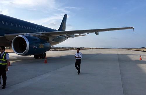 Máy bay chở hơn 200 hành khách đáp nhầm đường băng tại sân bay Cam Ranh