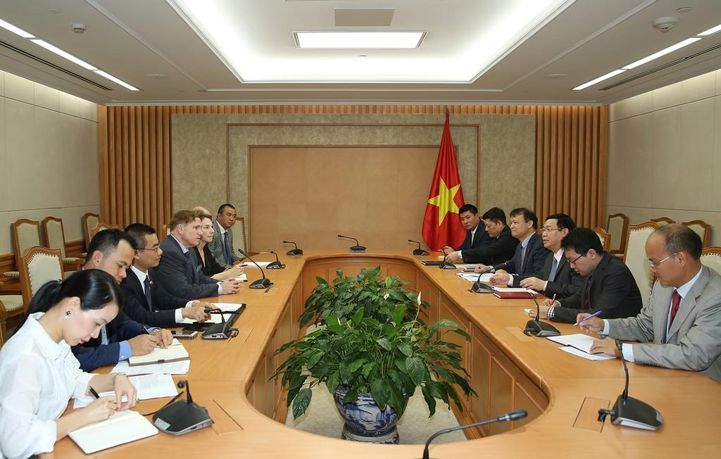 Phó Thủ tướng Vương Đình Huệ tiếp Chủ tịch Hiệp hội Thương mại Hoa Kỳ - ảnh 1