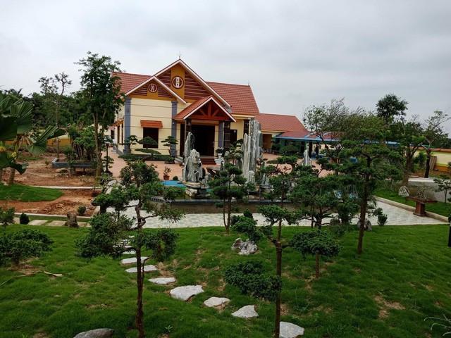 UBND huyện Vĩnh Lộc cho biết một phần phía sau của căn nhà xây lấn ra đất không được thuê.