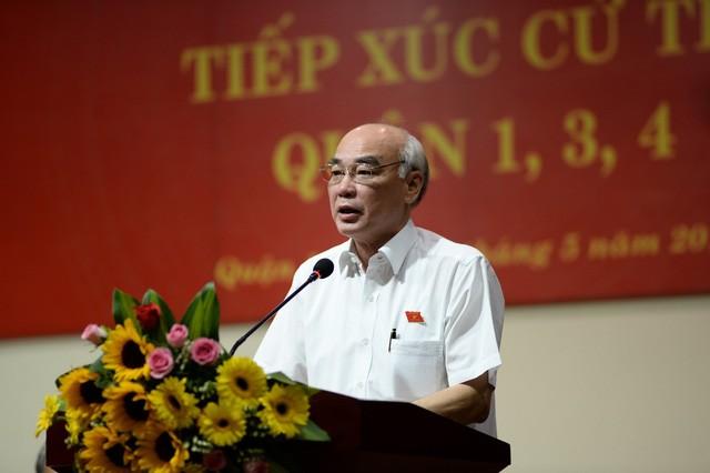 Ông Phan Nguyễn Như Khuê tại buổi tiếp xúc cử tri Q.1, Q.3, Q.4 sáng 5-5.