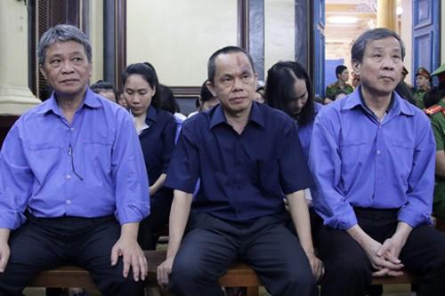 Bị cáo buộc chiếm dụng 6.300 tỷ, đại gia Sáu Phấn không thể đến tòa - ảnh 2