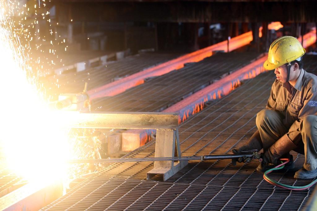 Lũy kế 4 tháng, thép xây dựng Hòa Phát đã cho ra thị trường 719.000 tấn. Ảnh: Tường Lâm