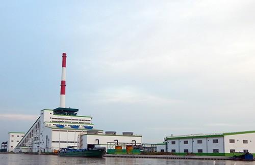 Nhà máy giấy Lee & Man nằm ven sông Hậu tại huyện Châu Thành, tỉnh Hậu Giang.