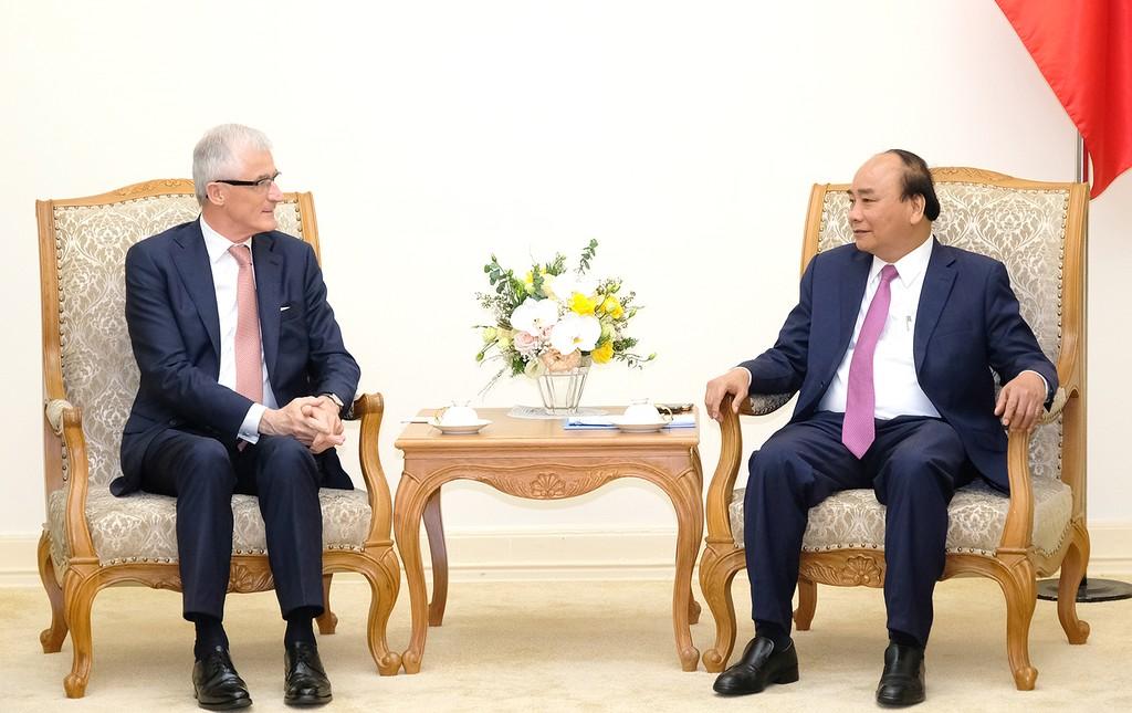 Thủ tướng Nguyễn Xuân Phúc và Thủ hiến vùng Flanders (Vương quốc Bỉ) Geert Bourgeois - Ảnh: VGP