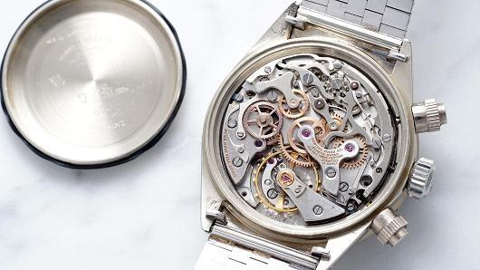 Chiếc Rolex được bán giá gần 6 triệu USD - ảnh 1