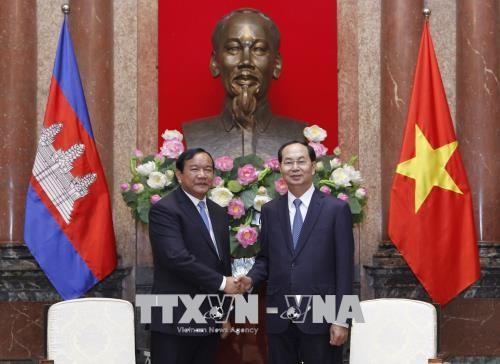Chủ tịch nước Trần Đại Quang và Bộ trưởng Cao cấp, Bộ trưởng Bộ Ngoại giao và Hợp tác quốc tế Campuchia Prak Sokhonn
