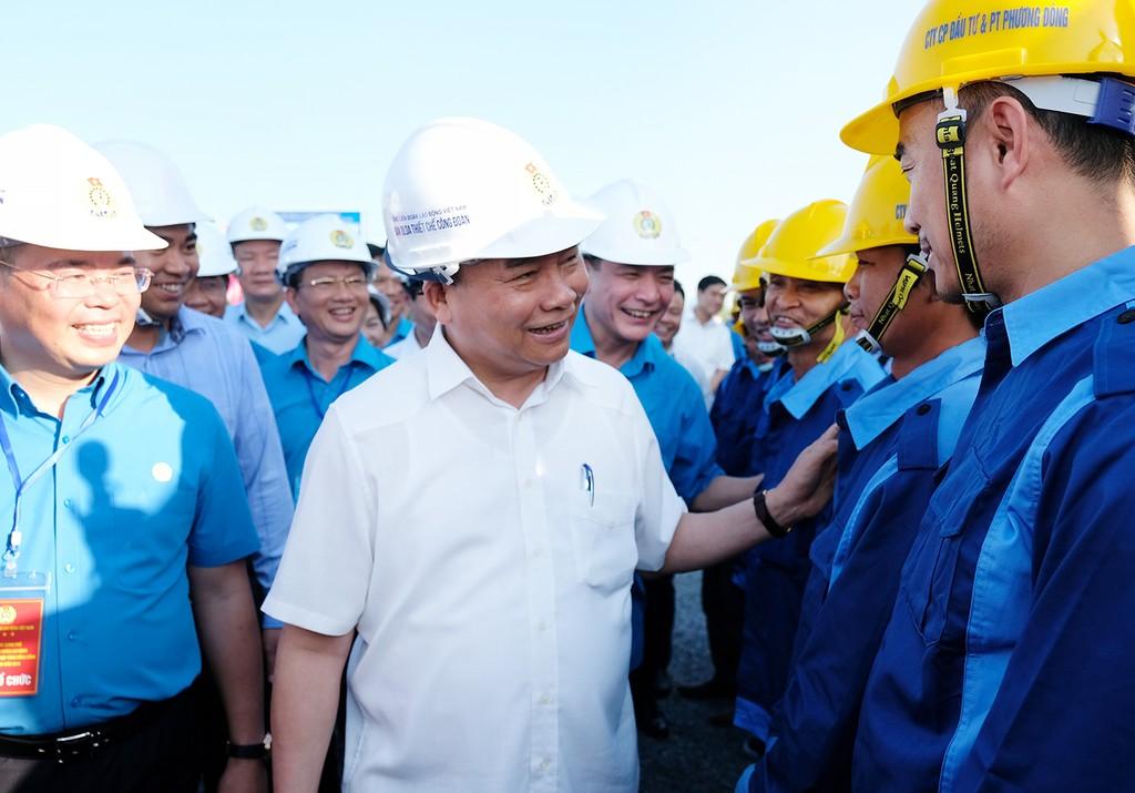 Thủ tướng thăm khu trọ của công nhân tại Hà Nam - ảnh 2