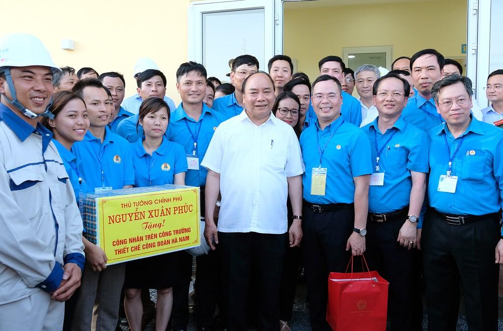 Thủ tướng thăm khu trọ của công nhân tại Hà Nam - ảnh 4