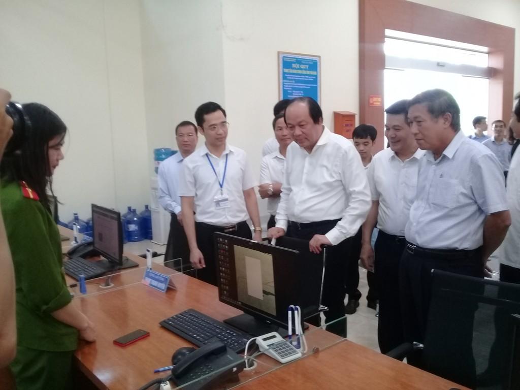 Bộ trưởng, Chủ nhiệm Văn phòng Chính phủ Mai Tiến Dũng cùng đoàn công tác làm việc tại tỉnh Thái Bình. Ảnh: VGP