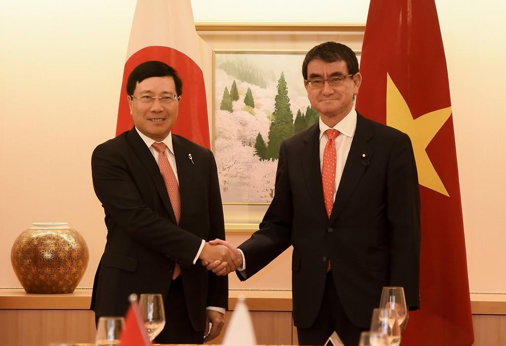 Phó Thủ tướng, Bộ trưởng Ngoại giao Phạm Bình Minh hội đàm với Bộ trưởng Ngoại giao Nhật Bản. Ảnh: BNG