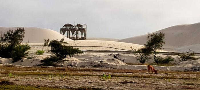 Một dự án khai thác titan khác của công ty cổ phần khoáng sản Quảng Trị đang thực hiện tại xã Vĩnh Thái. Người dân thôn Đông Luật lo ngại dự án khai thác titan của công ty cổ phần khoáng sản Thanh Tâm sẽ để lại những hệ quả tương tự