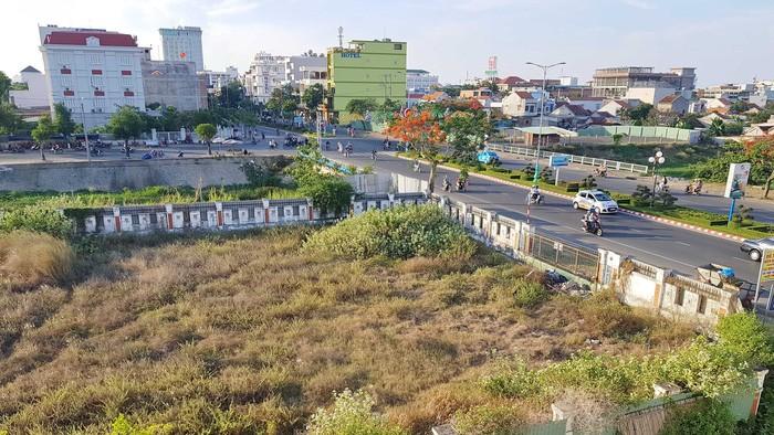 Phú Yên liên tục giao đất 'vàng' không qua đấu giá - ảnh 1