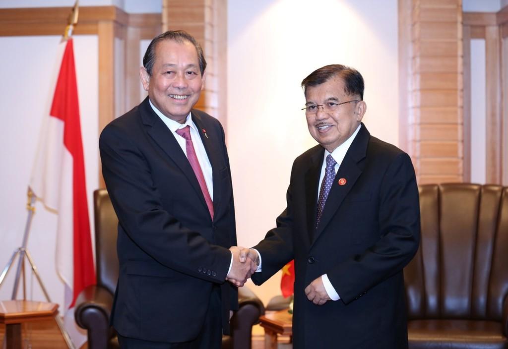 Phó Thủ tướng Trương Hòa Bình hội kiến Chủ tịch Thượng viện Nhật Bản - ảnh 1