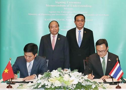 Thủ tướng Nguyễn Xuân Phúc gặp Thủ tướng Thái Lan - ảnh 1