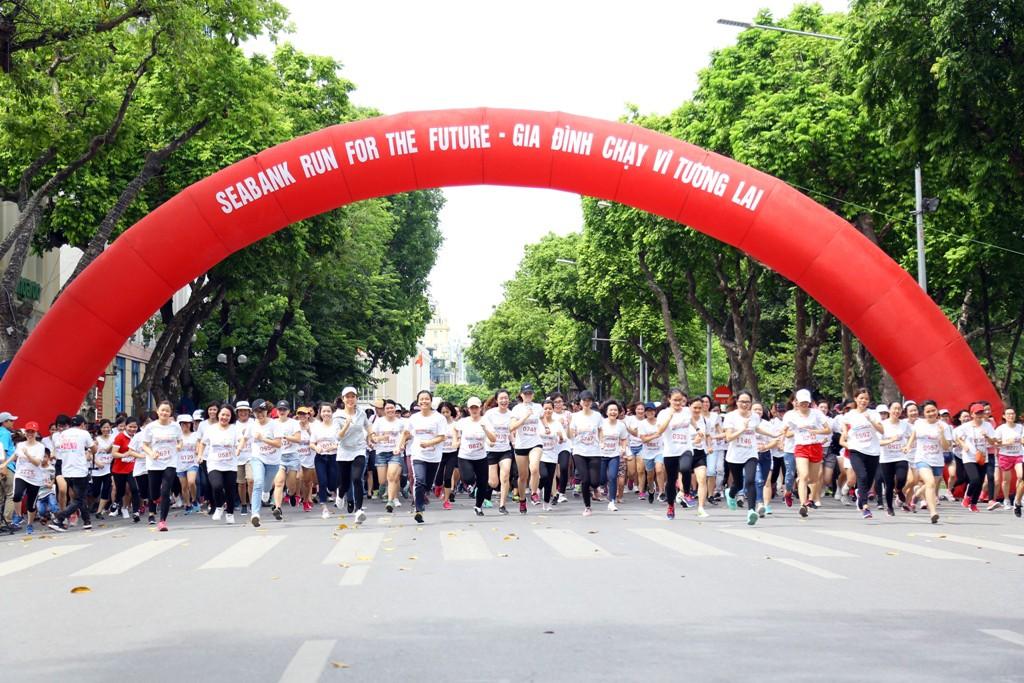 """Các vận động viên tham gia giải chạy """"Gia đình chạy vì tương lai - SeABank Run For The Future"""""""