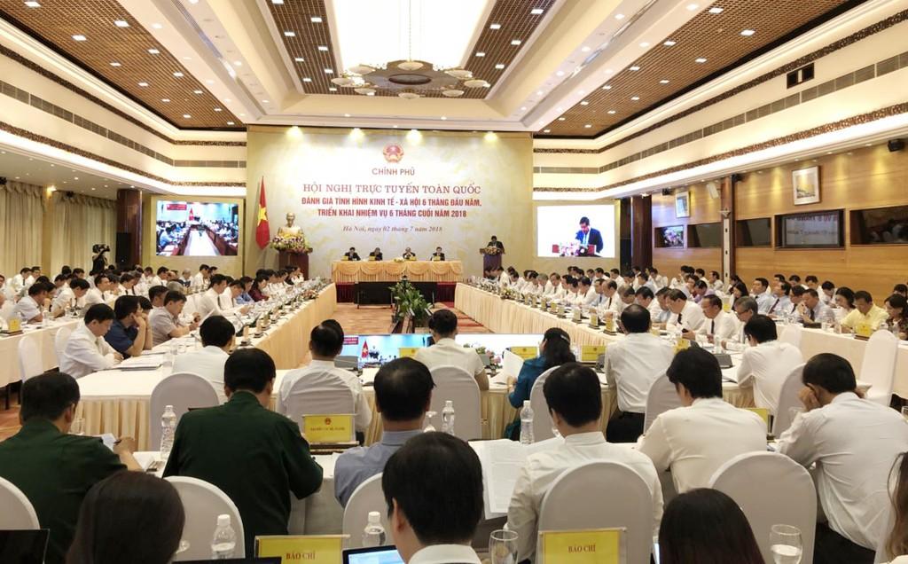 Bộ trưởng Bộ KH&ĐT Nguyễn Chí Dũng trình bày tại Hội nghị. Ảnh: Minh Thư