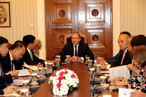Phó Thủ tướng Phạm Bình Minh thăm chính thức Bulgaria - ảnh 1
