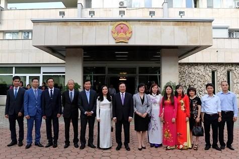 Phó Thủ tướng Phạm Bình Minh thăm chính thức Bulgaria - ảnh 5