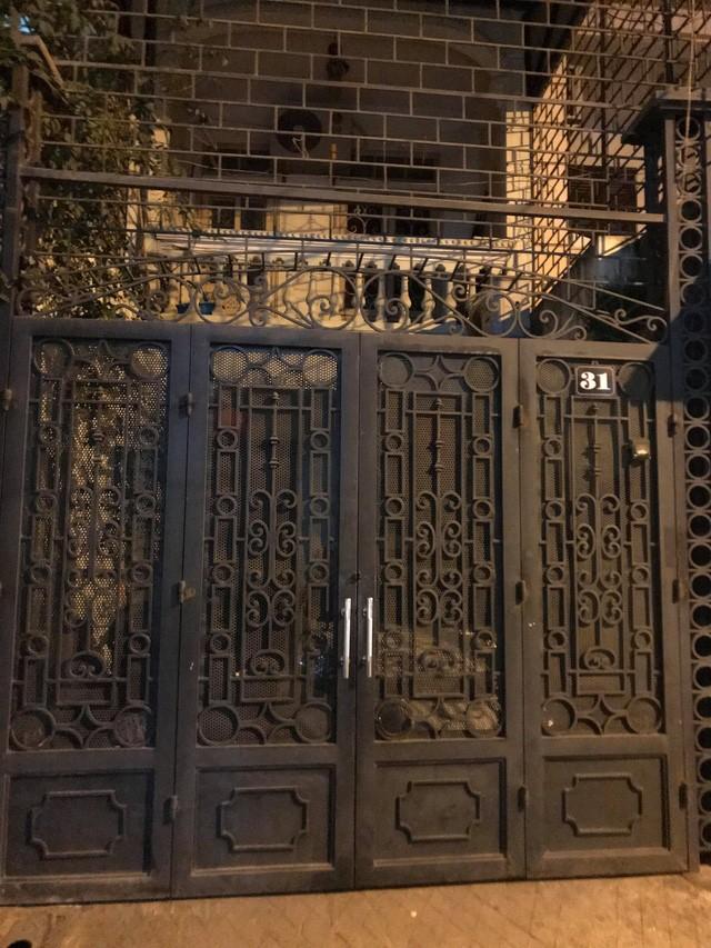 Công an, Viện kiểm sát thực hiện lệnh khám xét nhà riêng ông Phạm Đình Trọng.