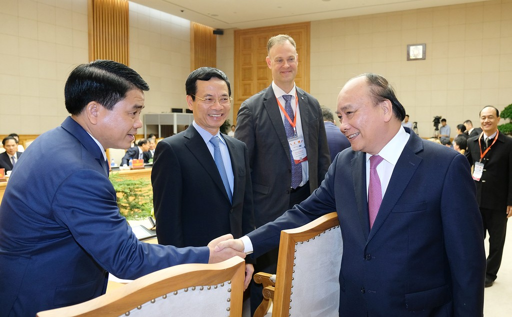 Thủ tướng gặp mặt các doanh nghiệp, diễn giả của Diễn đàn cấp cao về công nghiệp 4.0 - ảnh 1