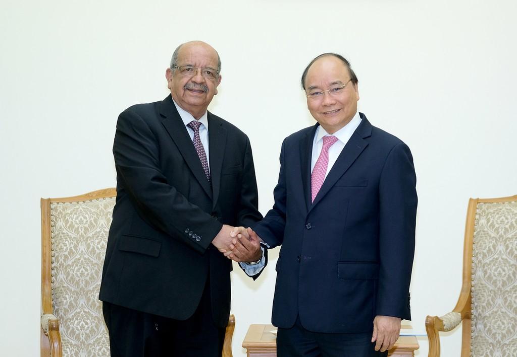 Thủ tướng tiếp Bộ trưởng Ngoại giao Algeria. Ảnh: VGP