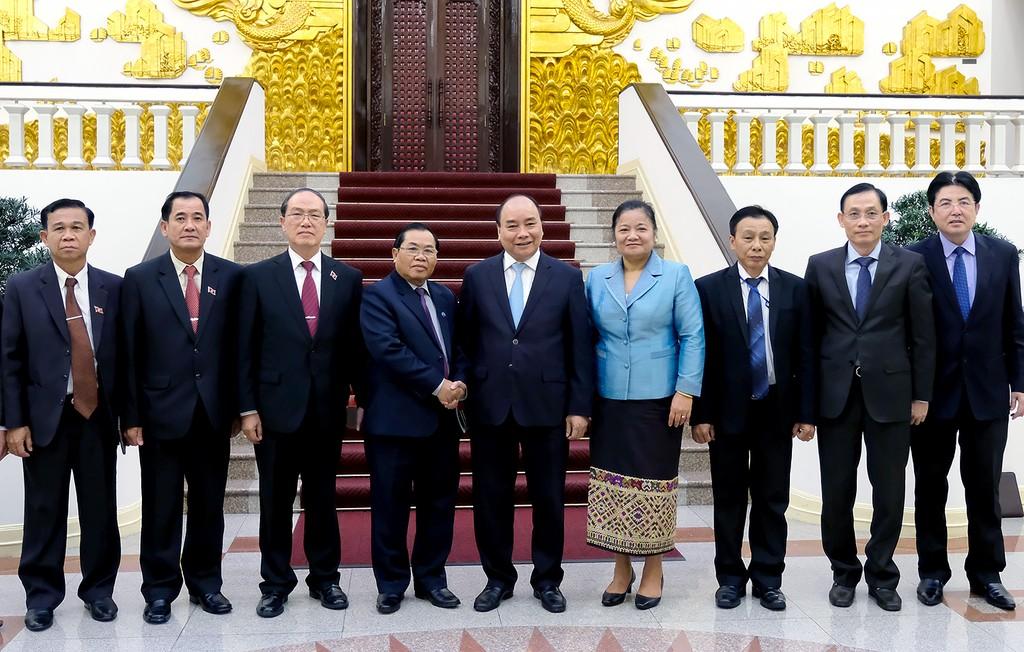 Thủ tướng Nguyễn Xuân Phúc tiếp Phó Chủ tịch Quốc hội Lào - ảnh 1