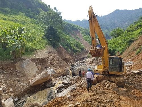 Đất đá sạt lở vùi lấp nhà máy thủy điện ở Yên Bái - ảnh 2