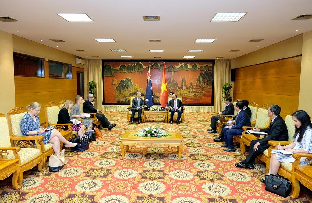 Thủ tướng Nguyễn Xuân Phúc tiếp Chủ tịch Hạ viện Australia - ảnh 1