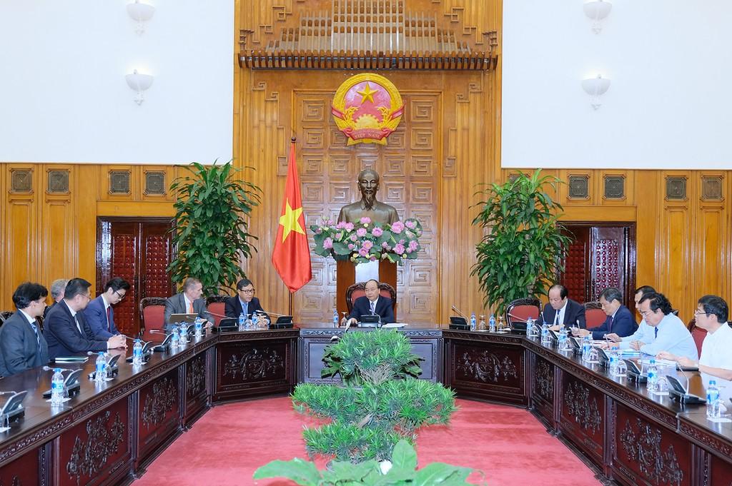 Thủ tướng tiếp các nhà đầu tư vào Bạc Liêu. Ảnh: VGP
